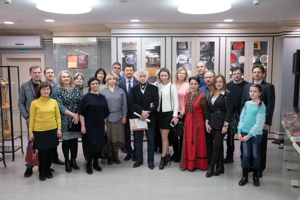 Алёна Левич, alyonalevich, Лев Плоткин, выставка Дороже золота, Московская городская Дума, каковое искусство, Хранитель